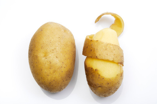 как быстро почистить молодую картошку