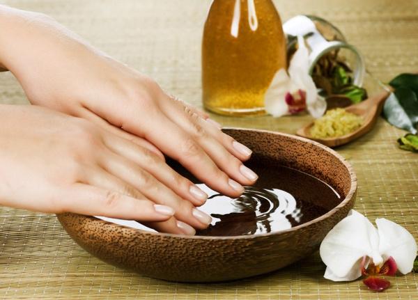 Как лечить ломкие ногти