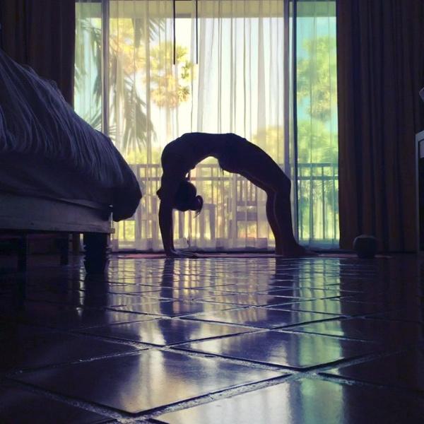 ВСТАЛА В ПОЗУ: 7 мотивирующих йога-аккаунтов | галерея [7] фото [3]