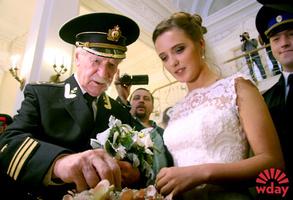 Мван Краско с молодой женой: фото