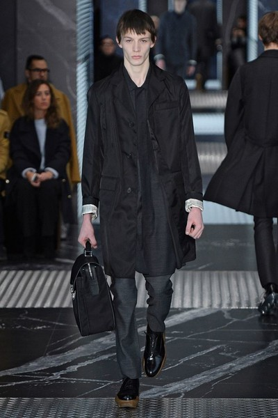 Бренд Prada представил на Неделе мужской моды в Милане сразу две коллекции | галерея [2] фото [4]