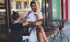 Вот это да: Боня кормит пятилетнюю дочь с ложки