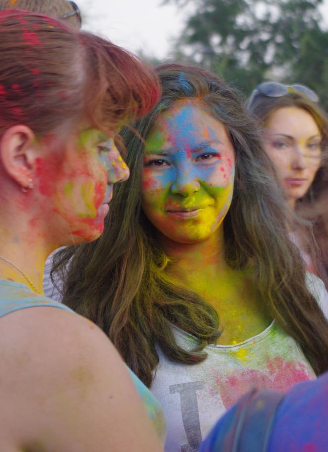 Фестиваль красок Холи в Оренбурге