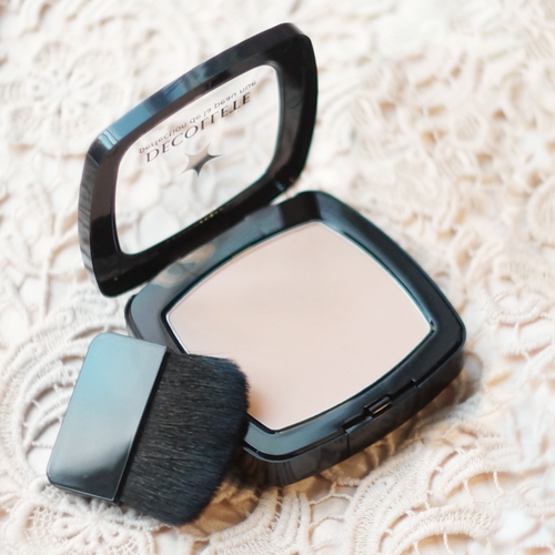 Л'Этуаль: Decollete Perfection de la peau nue