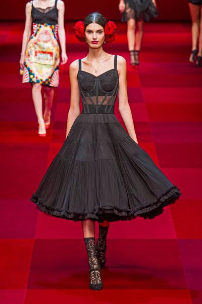 Показ Dolce & Gabbana на Неделе моды в Милане