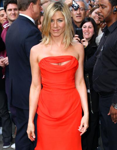 Дженнифер Энистон (Jennifer Aniston) на презентации именного аромата в Нью-Йорке