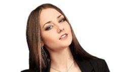 Актриса Ингрид Олеринская показала свой гардероб