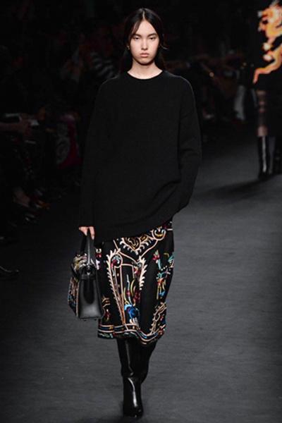 Неделя моды в Париже: показ Valentino ready-to-wear осень — зима 2015-2016 | галерея [1] фото [14]