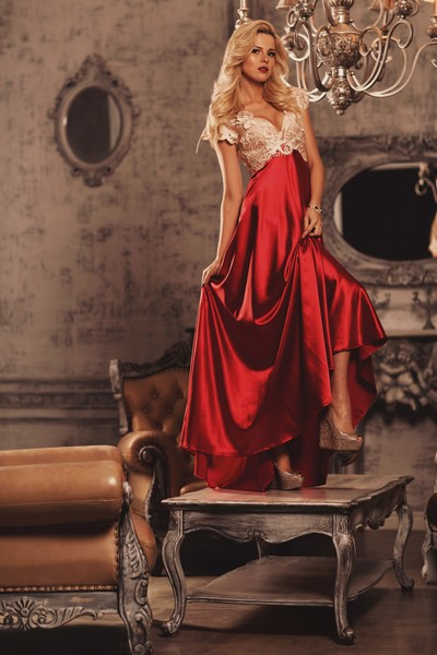 Валерия Куфтерина, петербурженка представит Россию на конкурсе красоты в платье под гжель