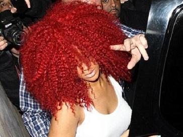 Рианна (Rihanna) изменила прическу