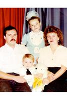 Александр Петров с родителями