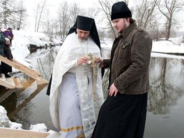 В ночь на 19 января православные погрузились в иордани