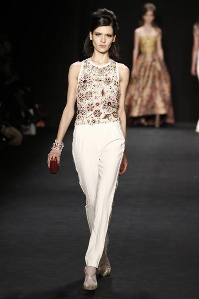 Самые роскошные вечерние платья Недели моды в Нью-Йорке | галерея [1] фото [8]