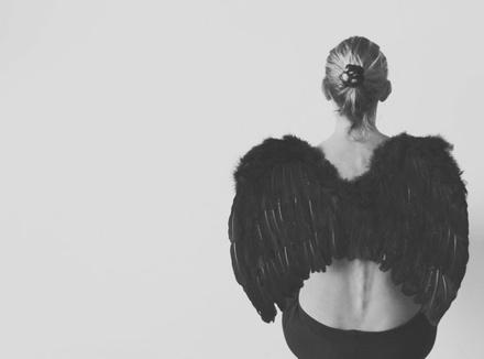 Женщина-ангел