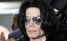 Майкл Джексон посмертно обвинен в растлении ребенка