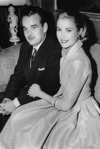 Со своим супругом – князем Монако – Грейс Келли познакомилась в Каннах.