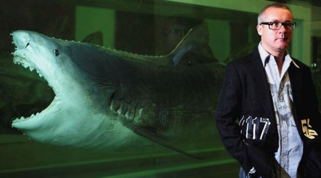 4-метровая «маринованная» тигровая акула с названием «Физическая невозможность смерти в сознании живущего» в 2004 году была продана за $12 млн .