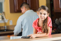 Как помочь подростку наладить отношения с отчимом?