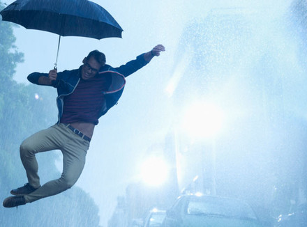 Мужчина с зонтом
