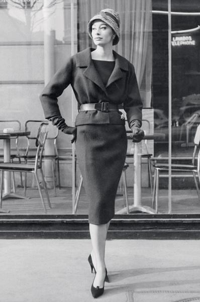 Силуэт «песочные часы» — стиль new look, Christian Dior, весна — лето 1959.