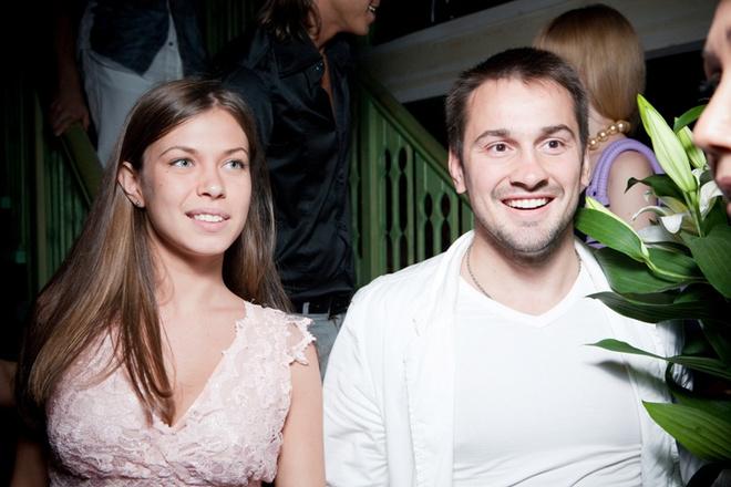 Дмитрий Носов со спутницей