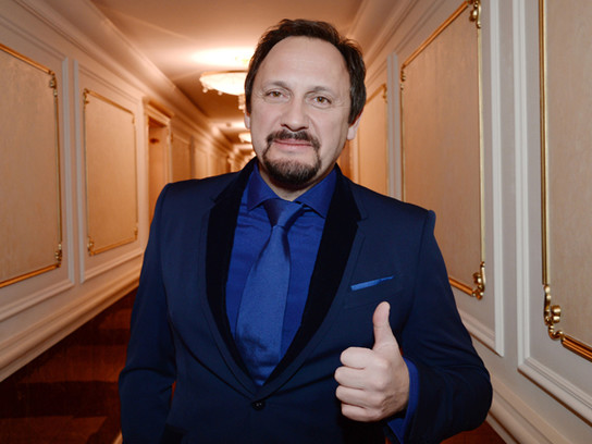 Стас Михайлов подарил поклоннице самые дорогие духи в мире