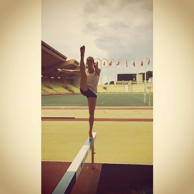 Елена Исинбаева уехала тренироваться в Монако