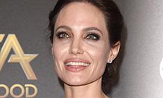 Джоли не смогла скрыть морщины и синяки под глазами