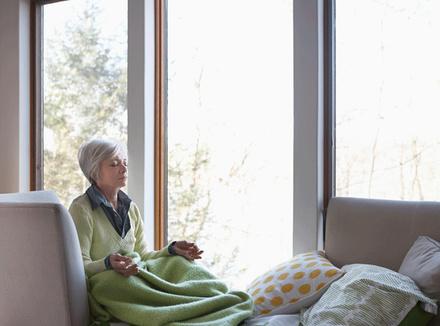 Медитация сохраняет мозг молодым