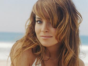 Линдсей Лохан (Lindsay Lohan) выкручивала обидчице руку