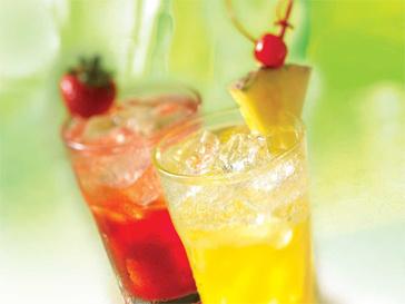 В юбилейное меню T.G.I. Friday's вошли главные блюда и лучшие коктейли американской кухни.