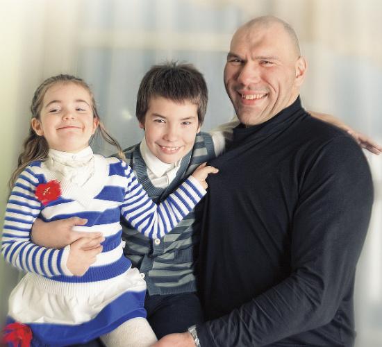 Николай Валуев, сын Гриша, дочь Ира