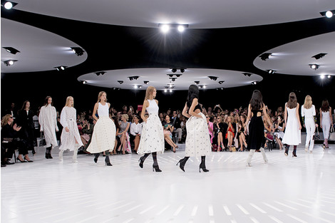 Театр мод: тренды нового сезона | галерея [1] фото [3]