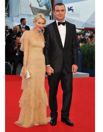 Наоми Уоттс (Naomi Watts) с мужем Львом Шрайбером (Liev Schreiber)