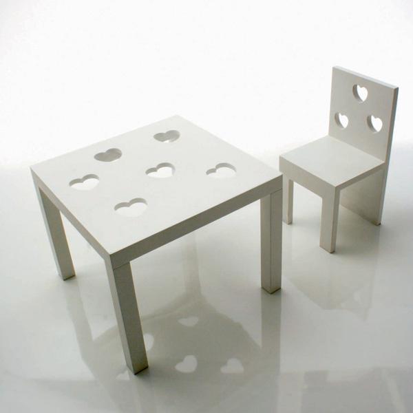 Колыбелька, стол, стул из линии Amore (Cyrus Company Bambino, Италия). 221400руб. (колыбель), 40500руб. (стол), 22250 руб. (стул)