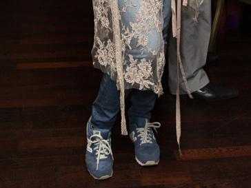 Мария Голубкина пришла на вечеринку в джинсах и кроссовках