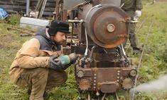 Русский умелец смог запустить самодельный паровоз на даче (видео)