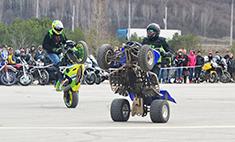 Открытие нового мотосезона в Калуге: трюки, парни, гонки, стиль!