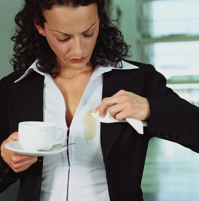 чем вывести пятно от кофе с одежды