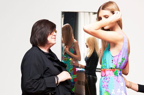 В новых моделях осенней коллекции H&M сохранились самые яркие черты, характерные для одежды модного Дома Versace.