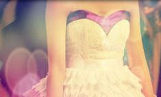 Против хандры: 10 ярких весенних платьев
