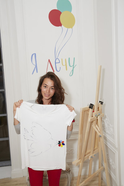 Woman's Day и Lamoda запустили благотворительный проект «Я лечу» | галерея [1] фото [8]