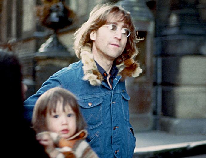 Джон Леннон с сыном
