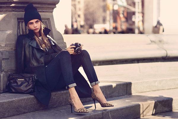 Кара Делевинь в рекламной кампании DKNY