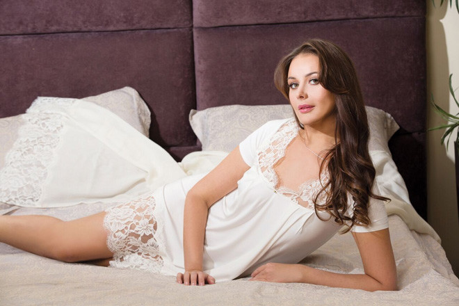 Оксана Федорова в лукбуке одежды для сна и дома