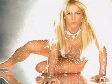Кадр из клипа Toxic Бритни Спирс