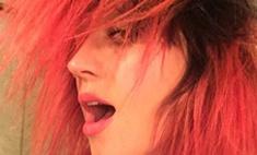 Кэти Перри покрасилась в красный цвет