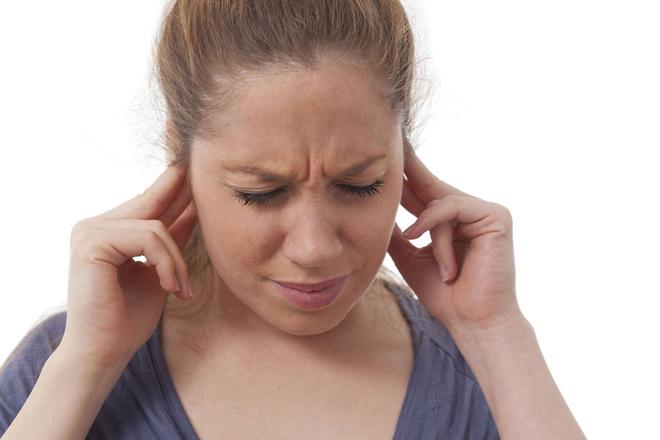 пульсирует в ушах