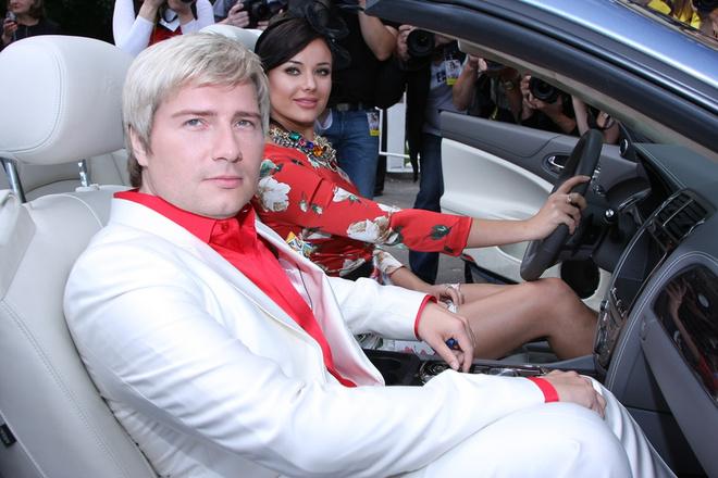 Оксана Федорова в наряде от Dolce&Gabbana и Николай Басков.