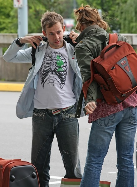 Последний раз пару видели вместе месяц назад в аэропорту Ванквера